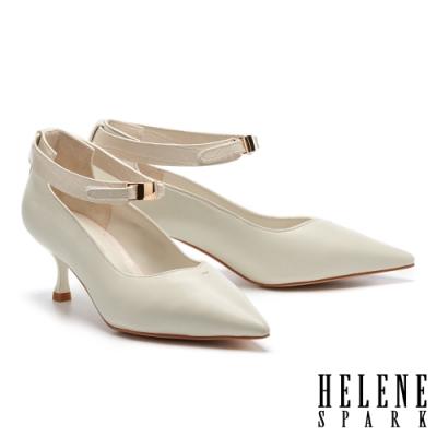 高跟鞋 HELENE SPARK 簡約氣質金屬釦魔鬼氈踝帶尖頭高跟鞋-白