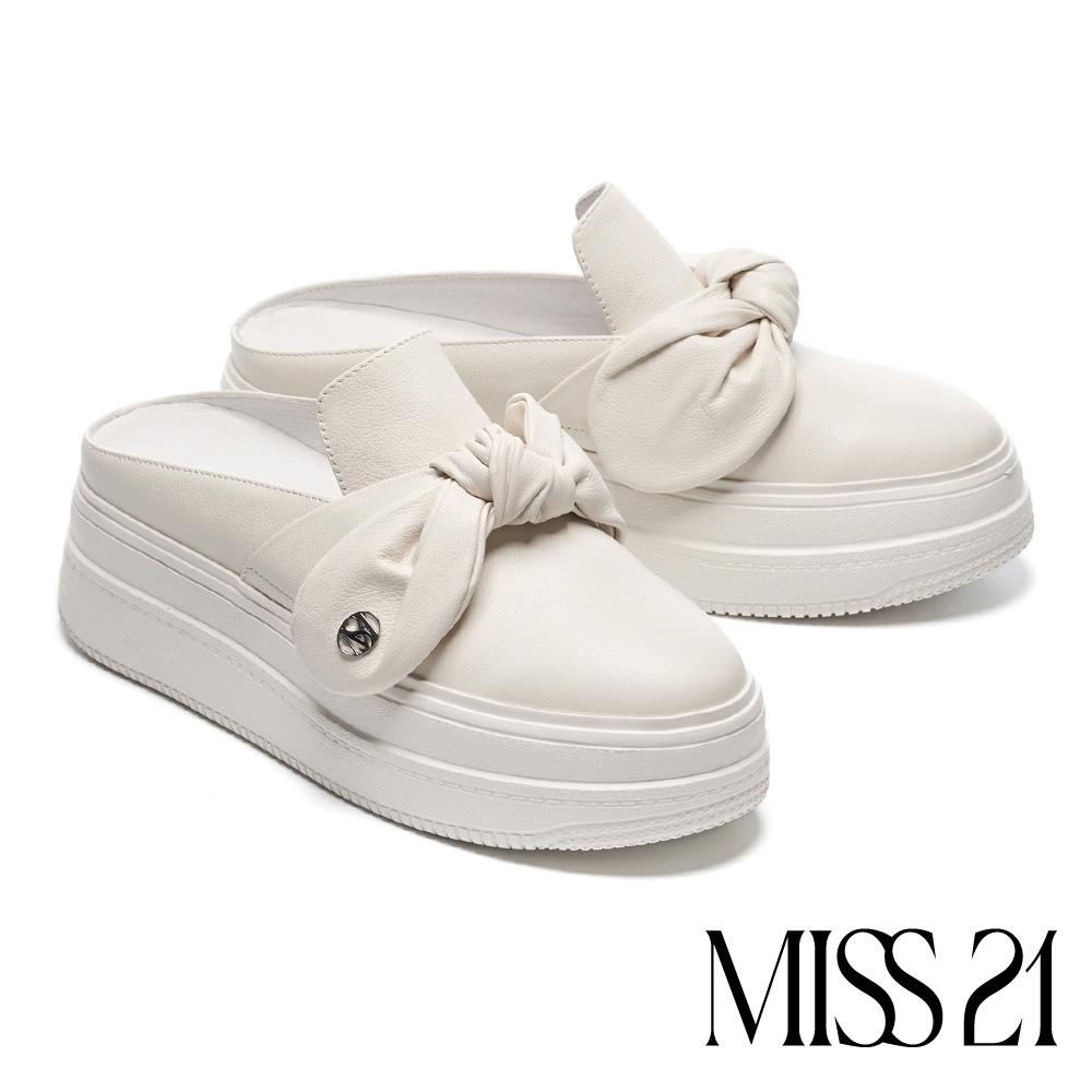 拖鞋 MISS 21 街頭時髦蝴蝶扭結穆勒厚底拖鞋-白