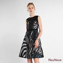 KeyWear奇威名品    拼接無袖A型洋裝-綜合色