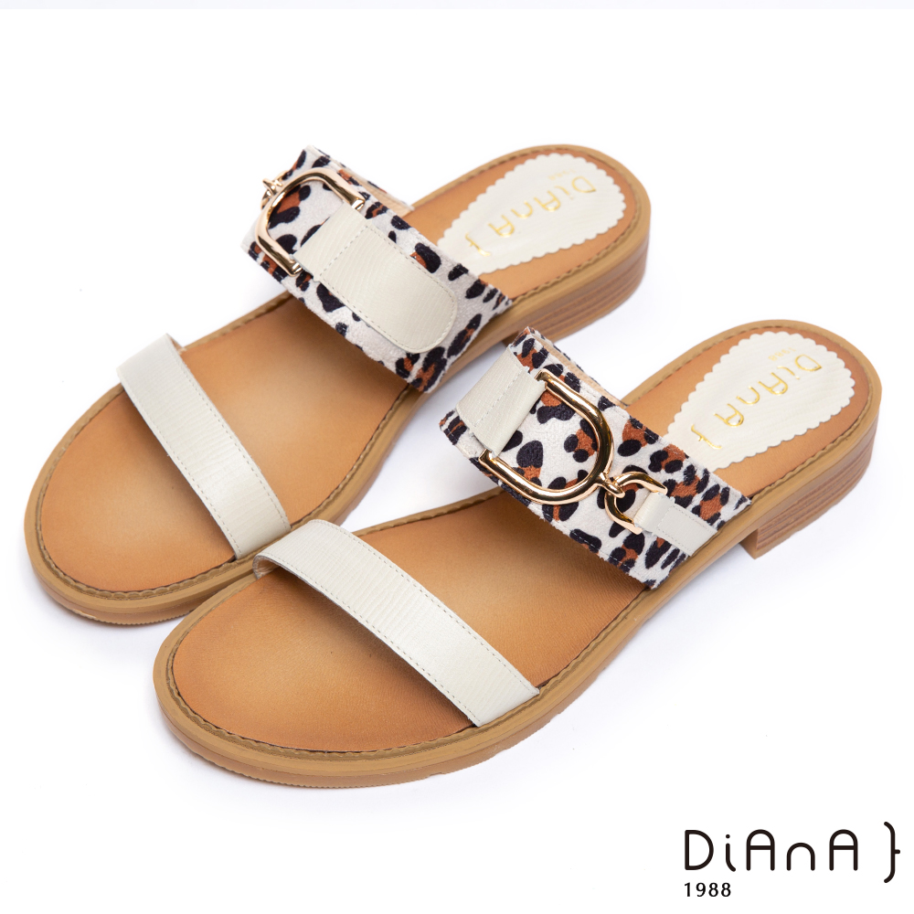 DIANA–性感豹紋金屬釦飾涼拖鞋-摩登叢林-米
