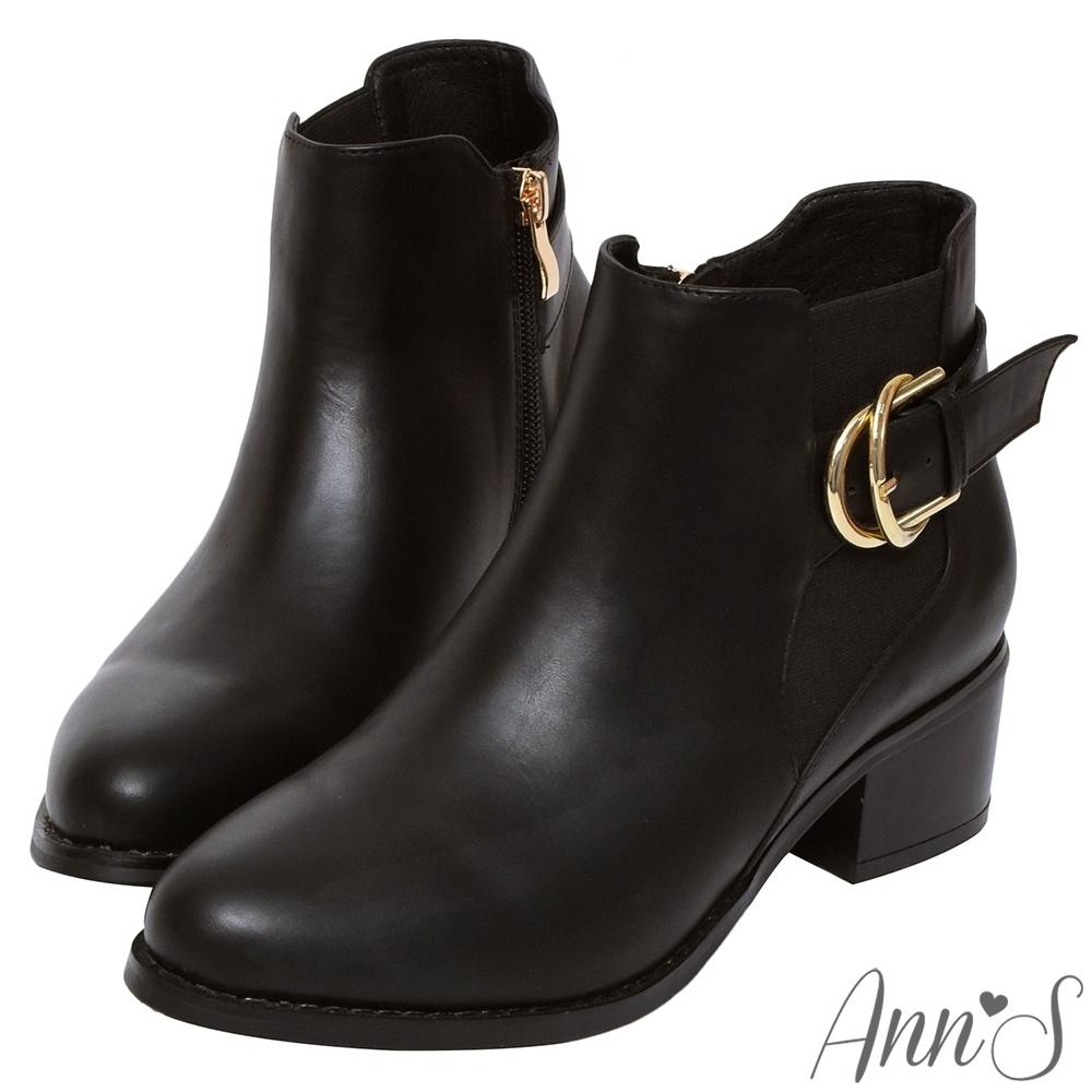 Ann'S時髦格調-側邊鬆緊雙層金色扣帶粗跟短靴-黑