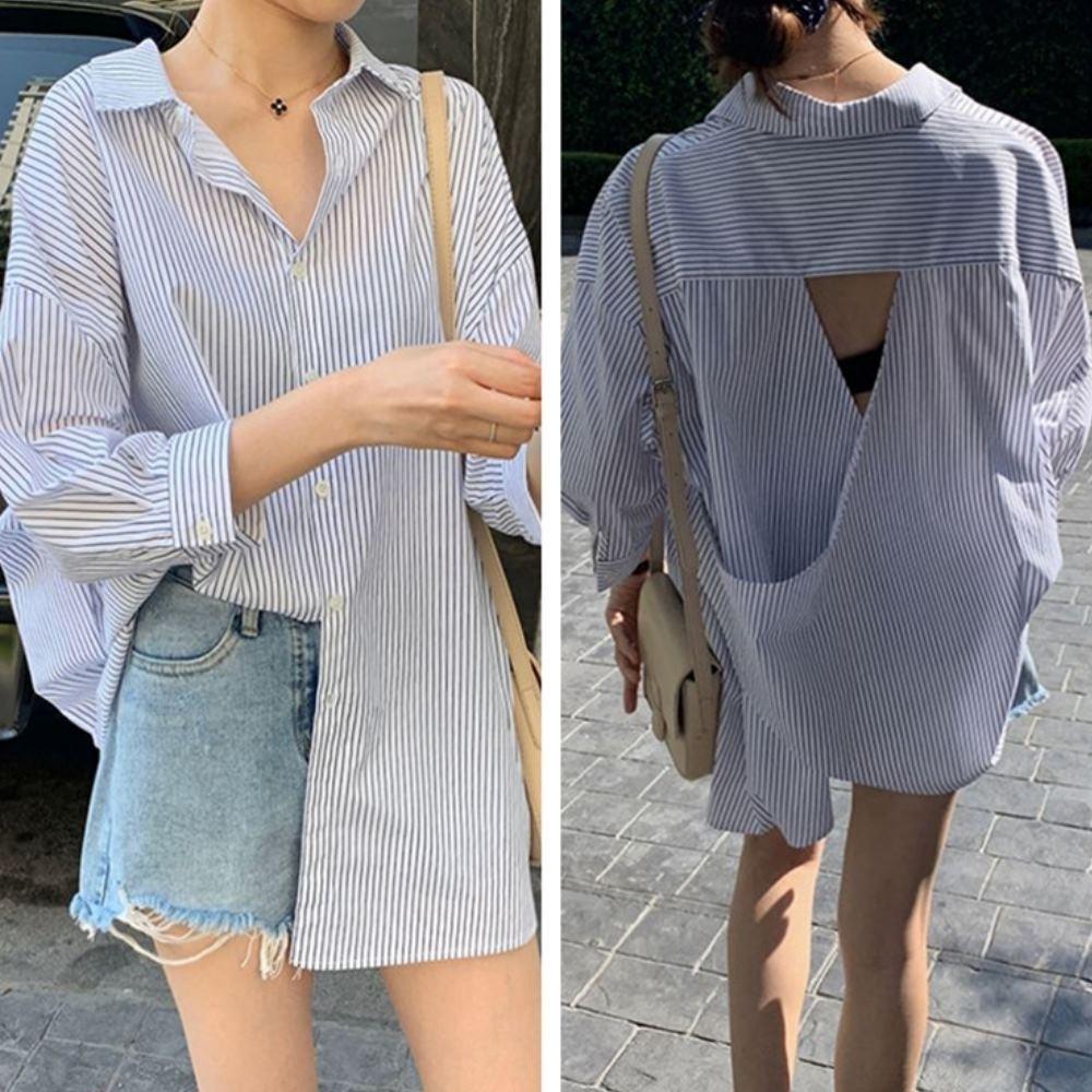 La Belleza前開釦背後露背三角交叉藍色細條紋排釦長版寬鬆襯衫
