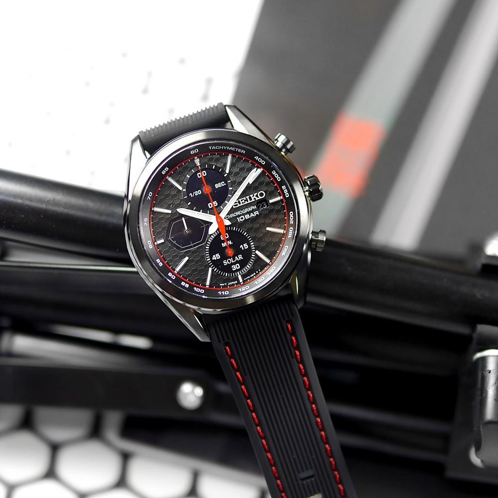 SEIKO 精工 太陽能 三眼計時 日期 防水100米 矽膠手錶-黑紅色/41mm
