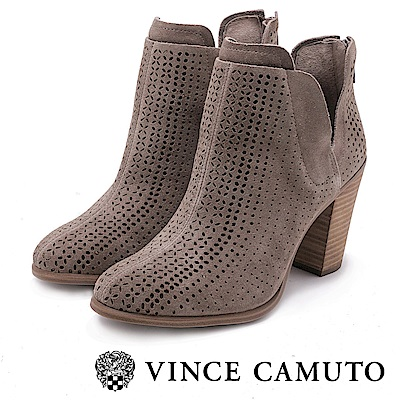 VINCE CAMUTO-麂皮簍空刻紋高跟踝靴-絨灰