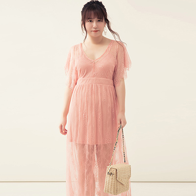 AIR SPACE PLUS 透膚蕾絲拼接網紗假兩件長洋裝(粉紅)