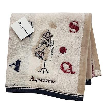 Aquascutum 經典品牌風衣圖騰字母LOGO刺繡小方巾(卡其系底)