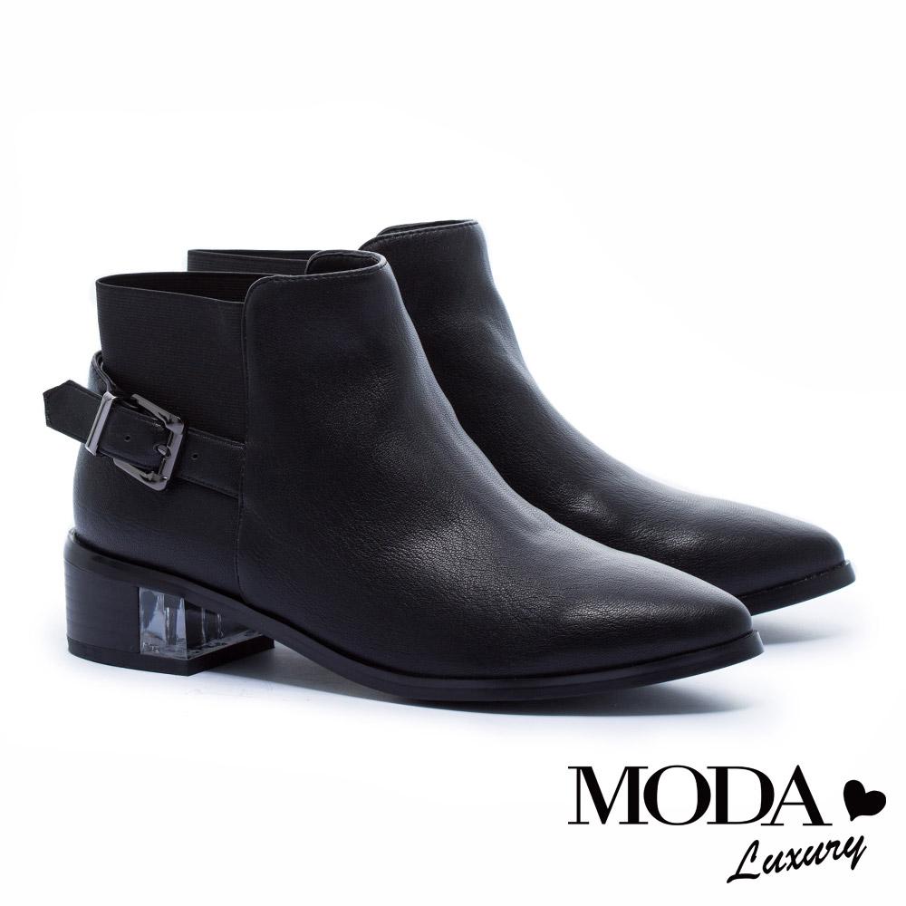 短靴 MODA Luxury 獨特異材質拼接側方釦帶造形尖頭粗跟短靴-黑