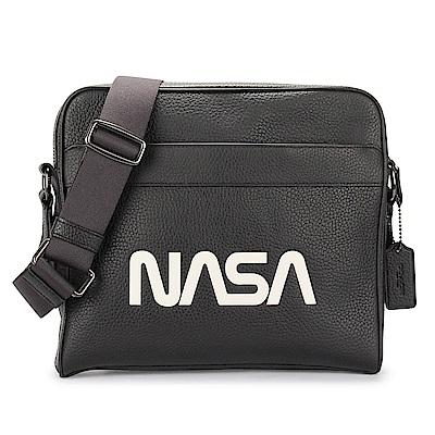 COACH NASA 素面荔枝紋皮革斜背方包-黑
