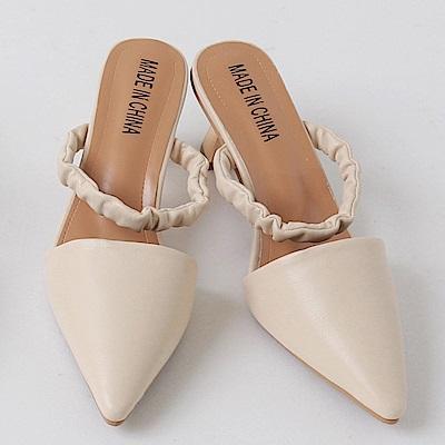尖頭時尚抽皺帶環造型金屬跟鞋-OB大尺碼