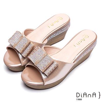 DIANA 奢華名媛-鑽飾蝴蝶結楔型真皮拖鞋-香檳金