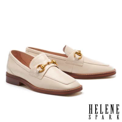 低跟鞋 HELENE SPARK 經典復古馬銜釦方頭樂福低跟鞋-米