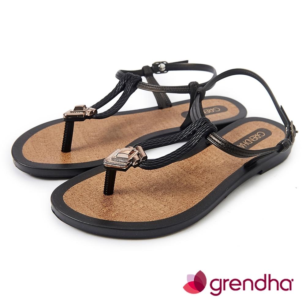 Grendha 羅馬風情金屬飾扣涼鞋-黑色
