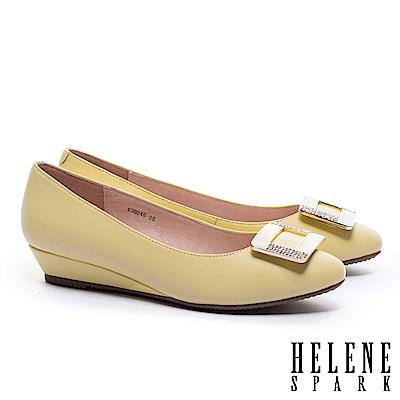 低跟鞋 HELENE SPARK 經典滴油晶鑽方釦全真皮楔型低跟鞋-黃
