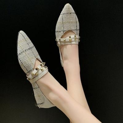 KEITH-WILL時尚鞋館 賣瘋了格紋鉚釘造型尖頭鞋-米