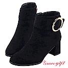 Grace gift-金屬大圓環粗帶釦短靴 絨黑