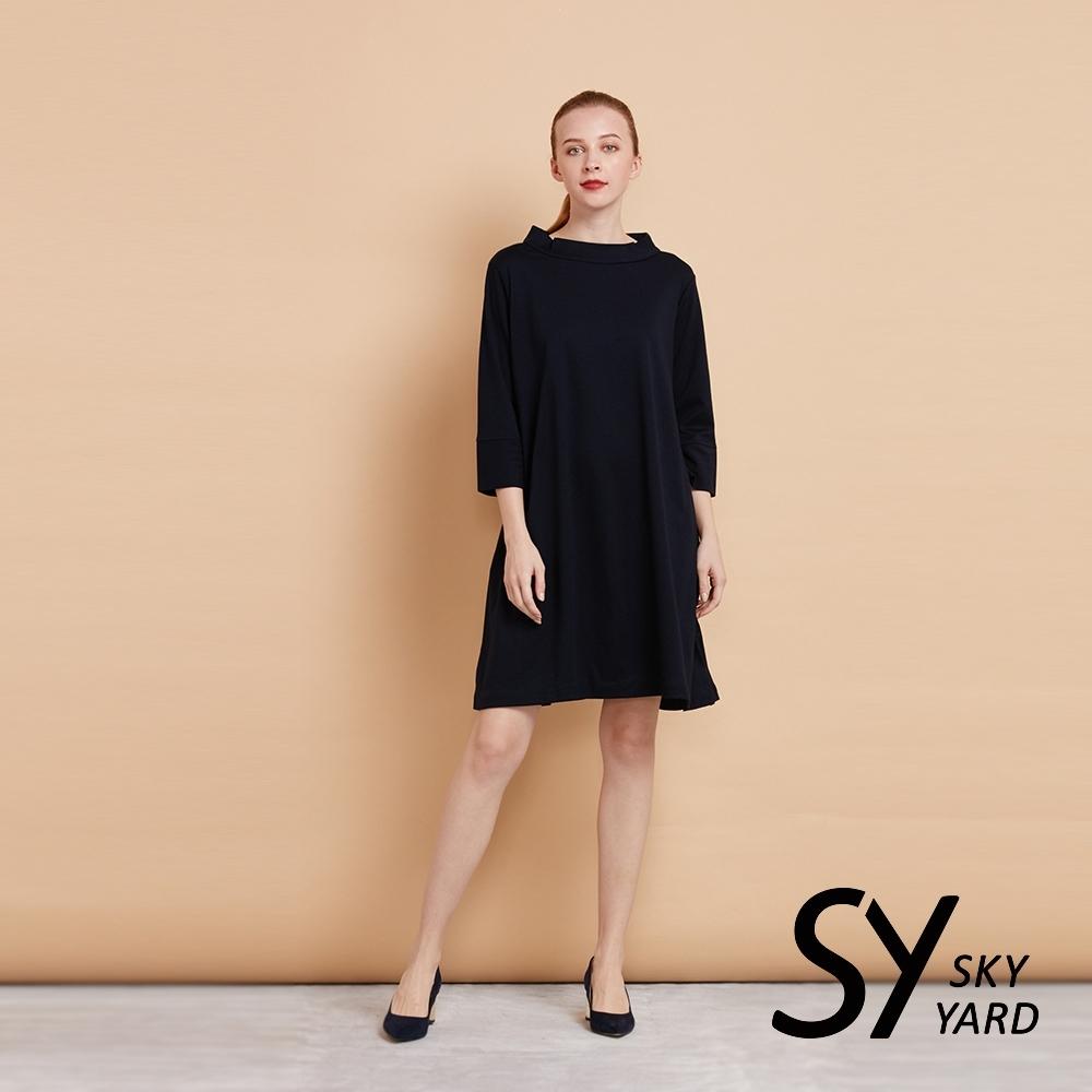 【SKY YARD 天空花園】小立領七分袖彈性連身洋裝-藍黑