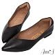 Ann'S無調味-素面純色V口顯瘦尖頭超軟真皮平底鞋-黑(版型偏小) product thumbnail 1