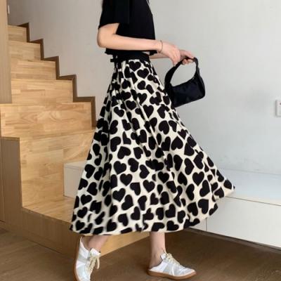 La Belleza黑色鬆緊腰滿版愛心印花波浪長裙大擺裙(有內襯)