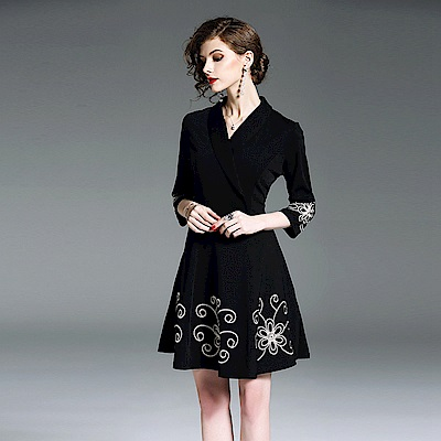 純色翻領立體重工刺繡洋裝S-2XL-M2M