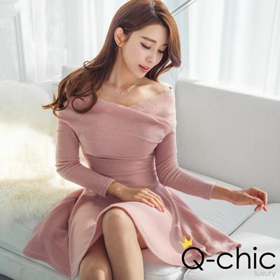 正韓 性感交疊一字領針織傘擺洋裝 (共二色)-Q-chic