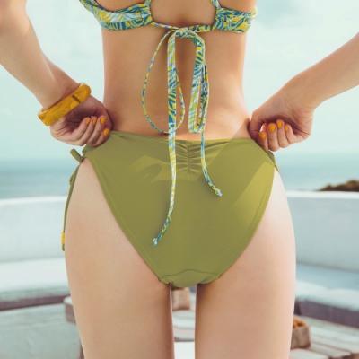 AIR SPACE 素色側綁帶抽皺翹臀泳褲(抹茶綠) 女款 女生泳褲 泳裝 低腰 高腰 泳褲 三角泳褲 中大尺碼