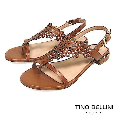Tino Bellini 巴西進口花朵鏤空夾腳平底涼鞋 _ 棕