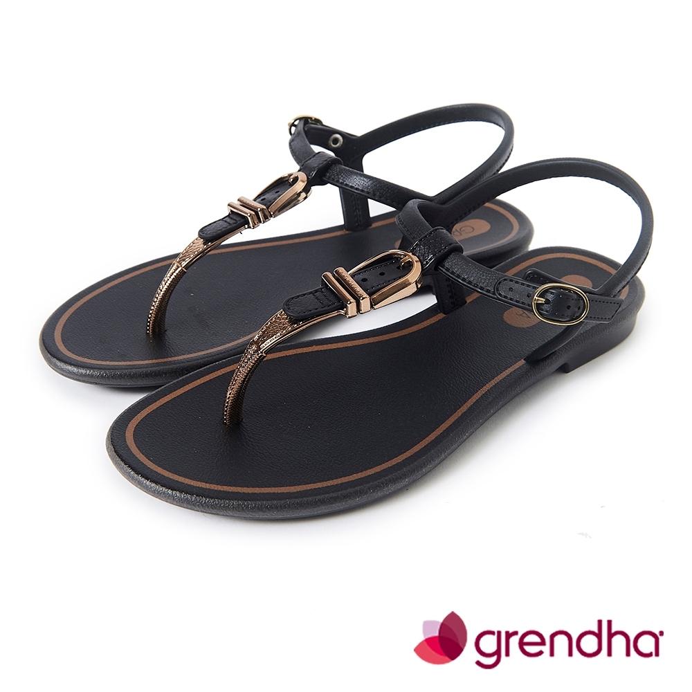 Grendha 金屬扣環T字帶平底涼鞋-黑色