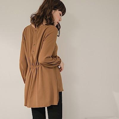 純色不易皺後排釦收腰長袖上衣-OB嚴選