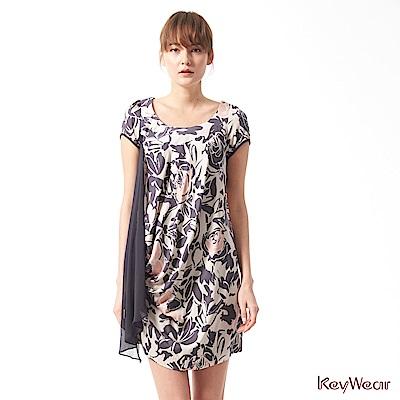 KeyWear奇威名品    浪漫玫瑰垂墜線條短袖洋裝-綜合色