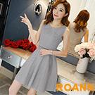 假兩件復古格紋無袖洋裝 (共二色)-ROANN
