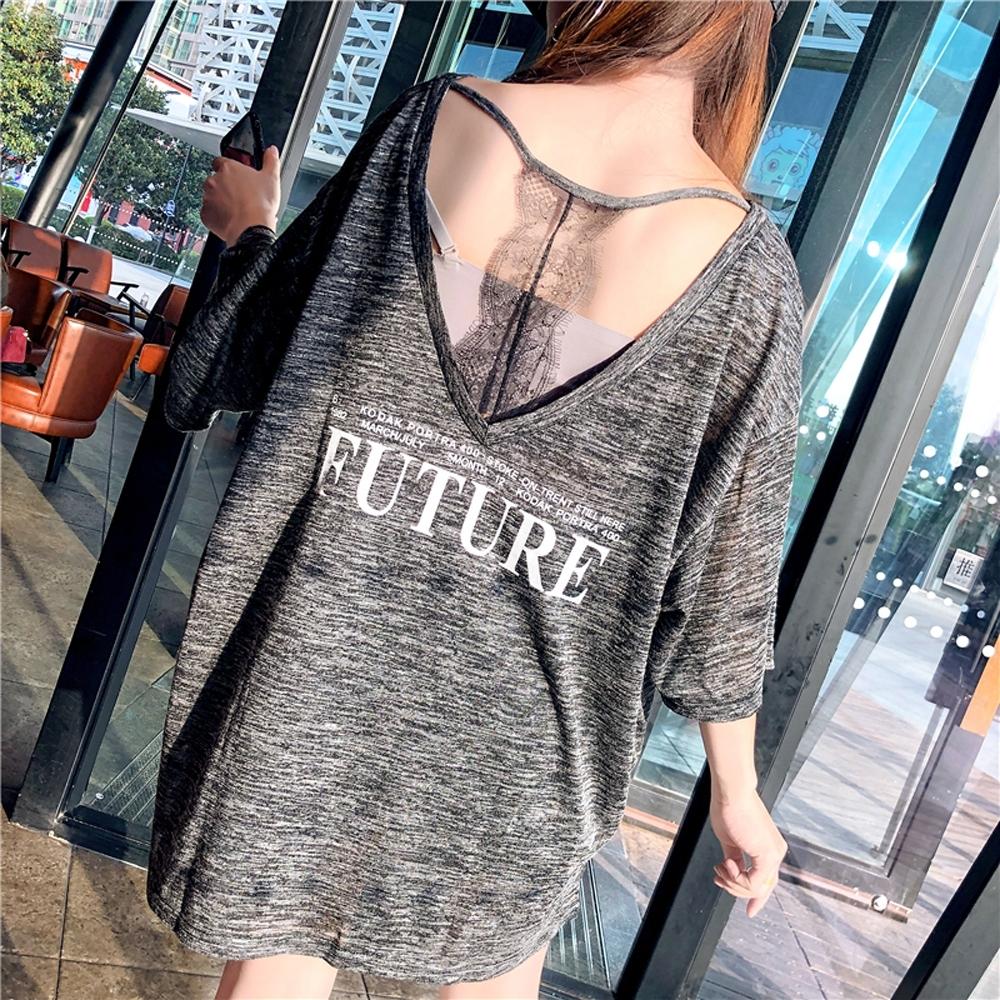 La BellezaFUTURE背一線V領T字拼接蕾絲長版寬鬆T恤
