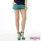 SOMETHING 短褲 NEO清新丹寧短色褲-女-淡綠