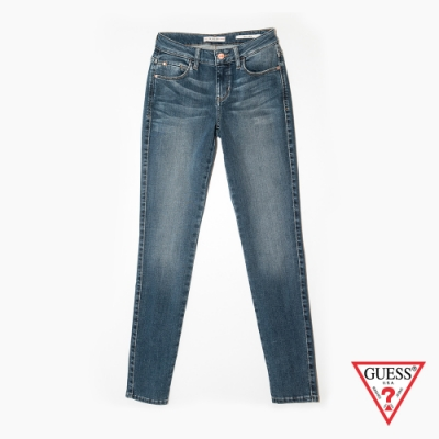 GUESS-女裝-復古刷色緊身牛仔褲-淺藍