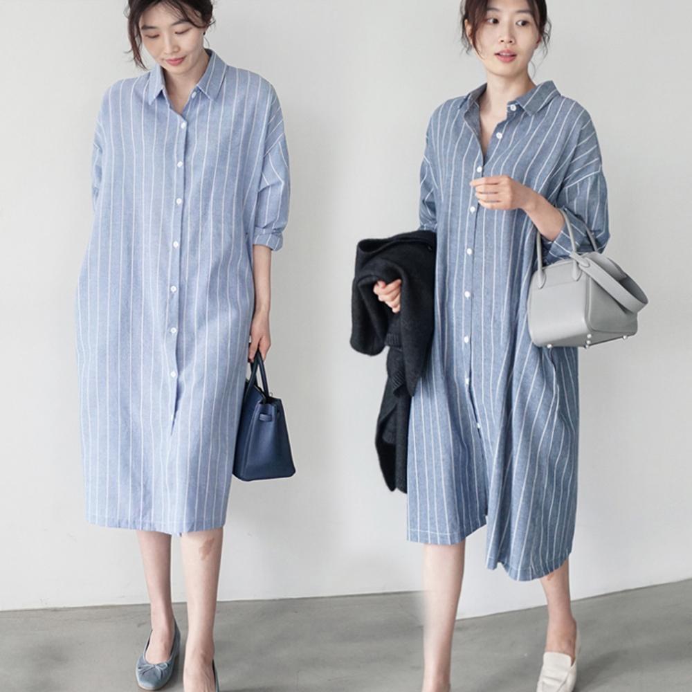 暢貨出清MOCO百搭寬鬆長版過膝條紋側口袋開釦襯衫洋裝M~XL