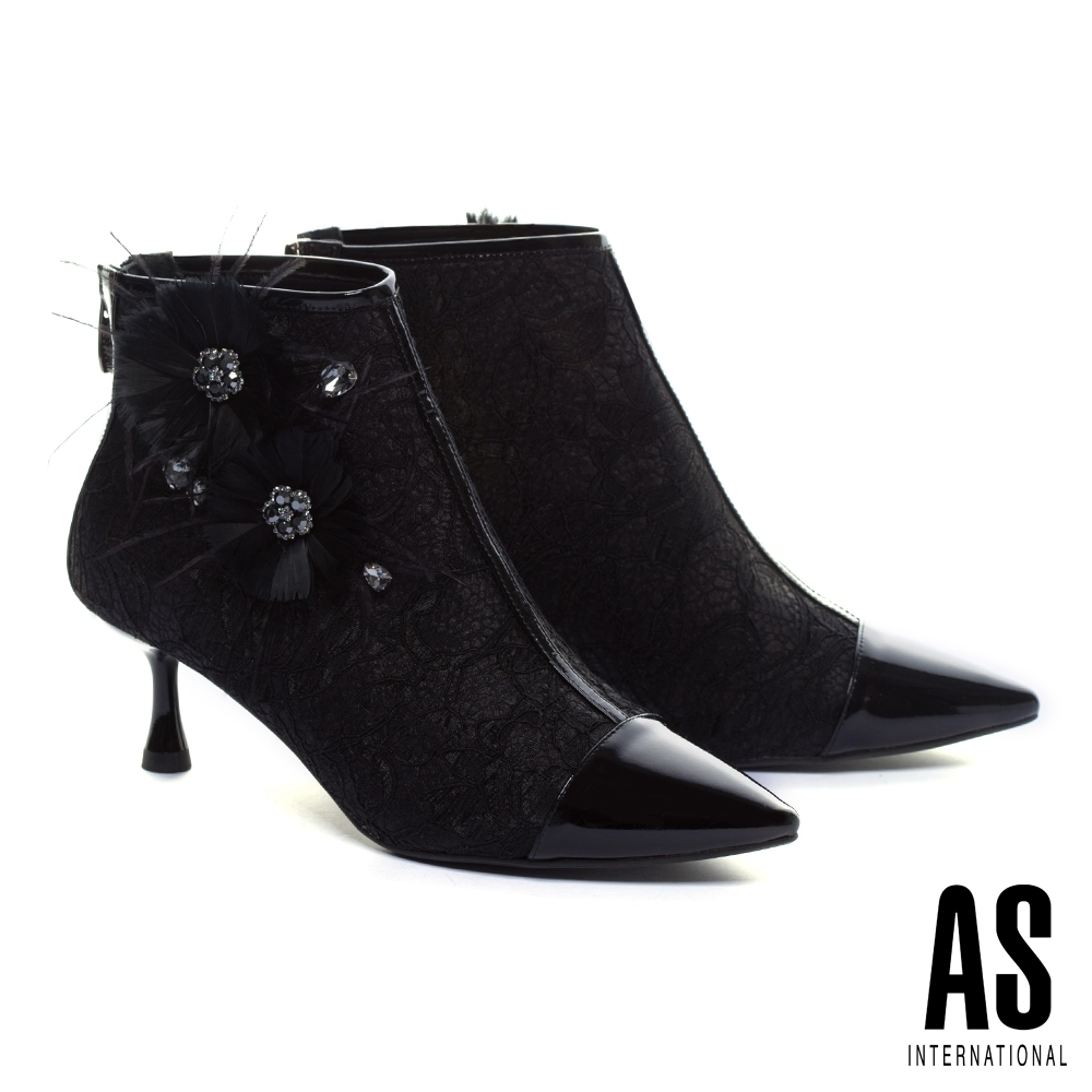 踝靴 AS 異材質拼接奢華浪漫晶鑽羽毛花飾造型蕾絲布尖頭低跟踝靴-黑