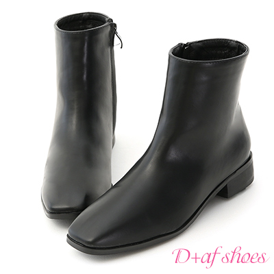 D+AF 極簡印象.素面小方頭平底短靴*黑