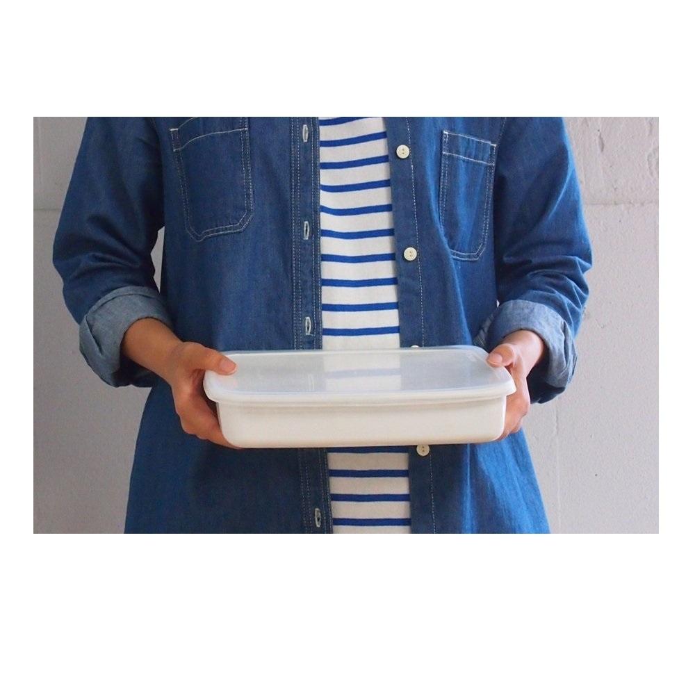 日本[野田琺瑯] 長淺型保存盒附透明蓋M 1.4L