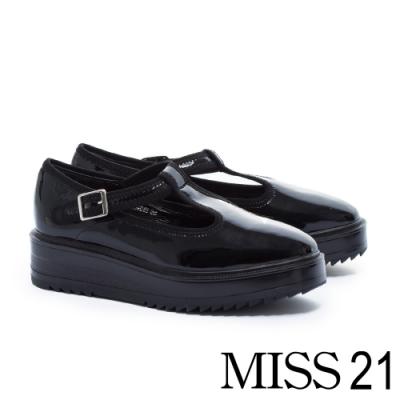 厚底鞋 MISS 21 復古個性T字寬帶方釦瑪莉珍厚底鞋-黑