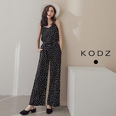 東京著衣-KODZ 復古點點兩件式花苞褲吊帶套裝(共一色)