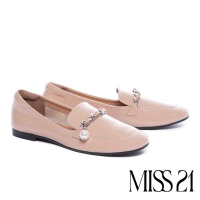 低跟鞋 MISS 21 復古時尚珍珠鏈全真皮方頭樂福低跟鞋-粉