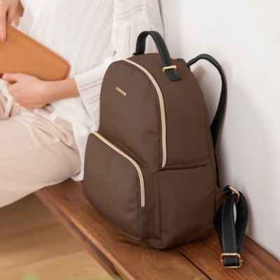 CHENSON 好輕好好背Daypack日常中背包 咖啡(CG82591-D)