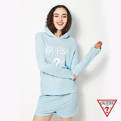 GUESS-女裝-經典倒三角logo休閒帽T短褲套裝-淺藍