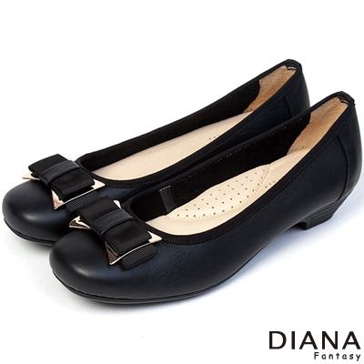 DIANA 優雅姿態 – 異材質蝴蝶結真皮方頭低跟娃娃鞋-黑