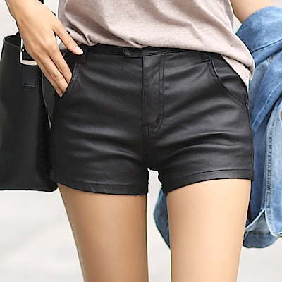 正韓 個性光暈面雙壓扣短褲 (黑色)-N.C21