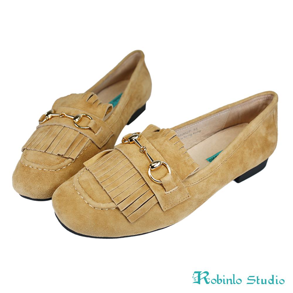 Robinlo 甜美風麂皮流蘇金屬飾扣莫卡辛鞋 卡其
