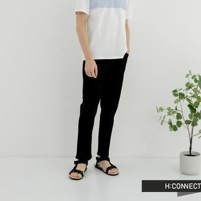 H:CONNECT 韓國品牌 男裝-簡約素面微彈休閒長褲-黑