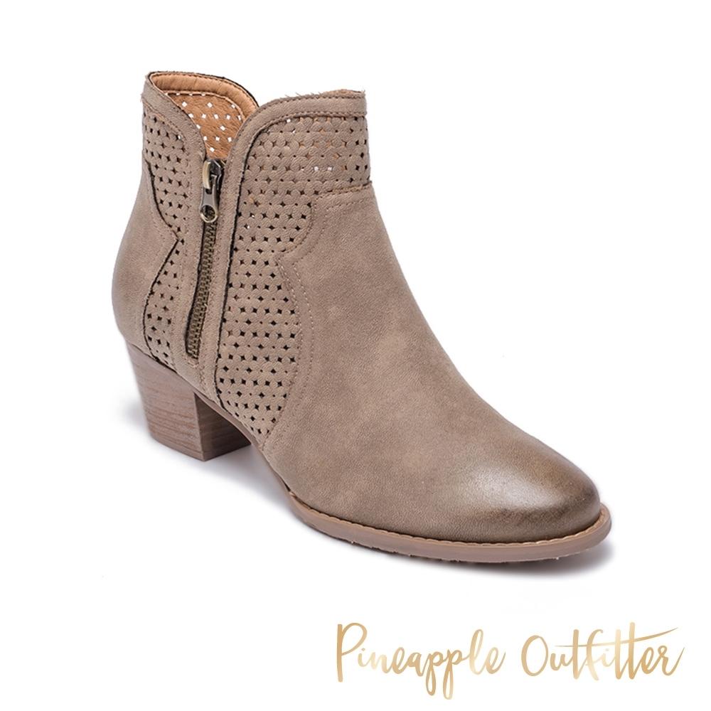 Pineapple Outfitter-BARNEY 氣質款 簍空拼接中跟短靴-卡其色