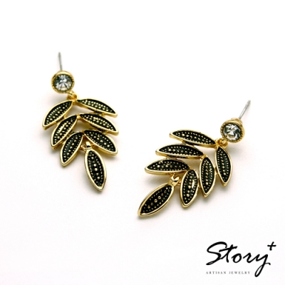 STORY故事銀飾-氣質時尚耳環-Leaf晶鋯耳環