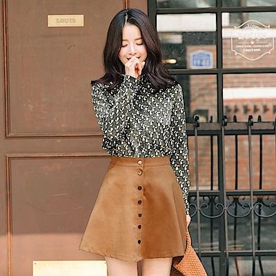 素色排釦傘狀短裙-OB嚴選