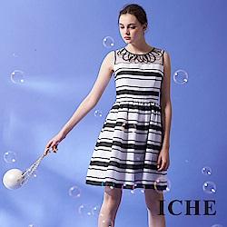 ICHE 衣哲 時尚高級訂製釘珠拼接條紋印花禮服洋裝-黑